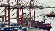 Containerschiffe am Hafen von Tokyo