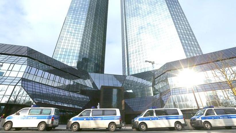 Betrug mit CO2-Zertifikaten: Razzia bei der Deutschen Bank