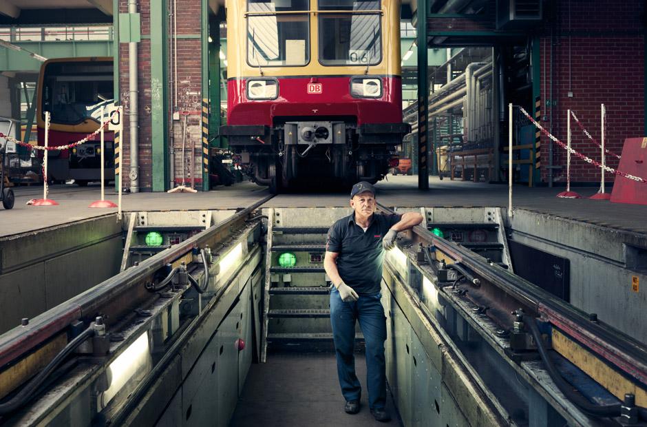 Ein Bahnarbeiter in Schöneweide