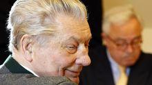 Leo Kirch (l.) und Rolf Breuer (r.) am 25. März 2011 (Archiv)