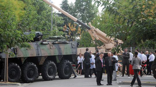 Mitarbeiter des französischen Rüstungskonzerns Nexter Electronics in Toulouse
