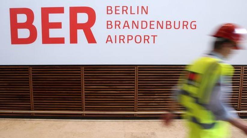 Berliner Flughafen: BER-Eröffnungstermin soll in sechs Monaten stehen