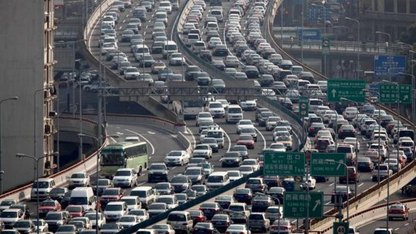 Konjunktur: Autoumsätze sinken auf Allzeittief