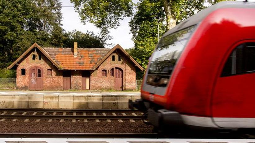 Reiseinformationen: Der Bahnhof im brandenburgischen Hangelsberg