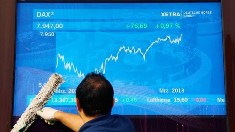 Börse: Dax steigt erstmals seit 2008 über 8.000 Punkte