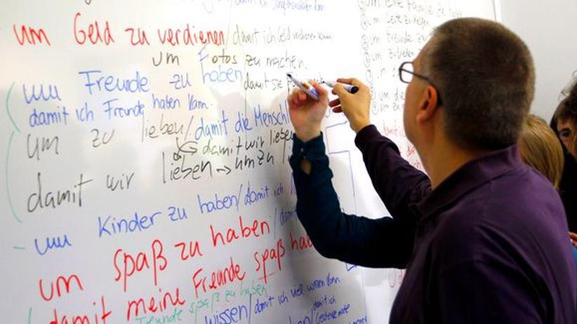 """Ökonomie: """"Wer Deutsch spricht, spart mehr"""""""