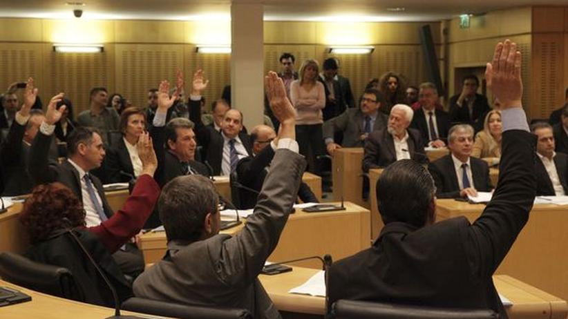 Zwangsabgabe: Zyperns Parlament stimmt für Solidaritätsfonds und Kapitalkontrolle