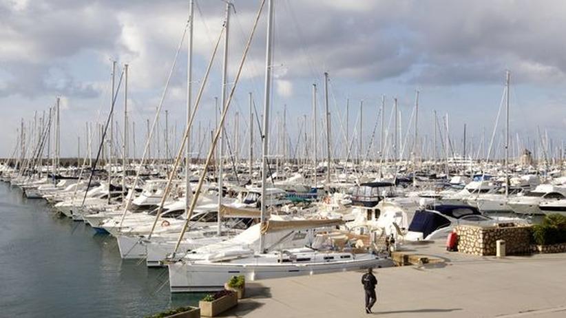 Luxusschiffe in Civitavecchia, 70 Kilometer von Rom entfernt am Tyrrhenischen Meer gelegen