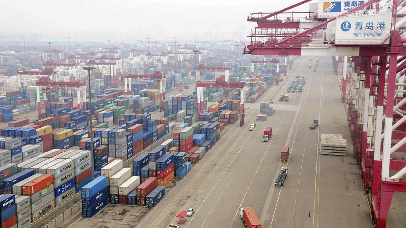 Konjunktur: Container im Hafen der chinesischen Metropole Qingdao