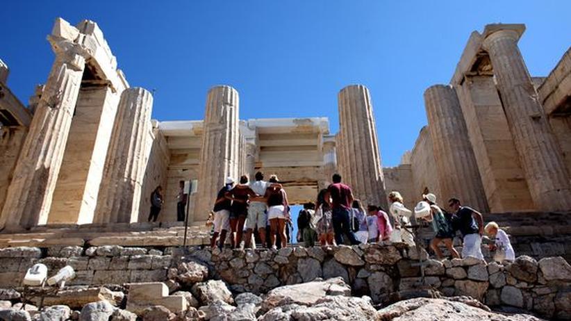 Touristen besuchten die Akropolis
