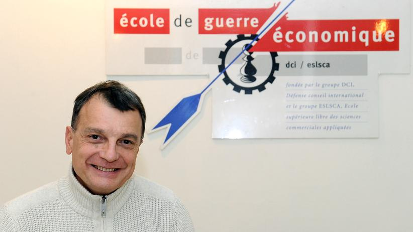 Christian Harbulot, Direktor der Pariser Economic Warfare School (EGE, Ecole de Guerre Economique)