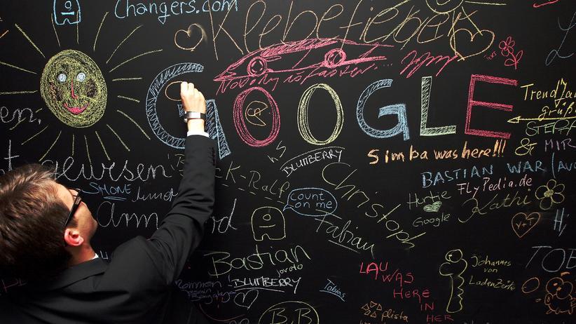 Leistungsschutzrecht: Ein Besucher des Google-Büros in Berlin