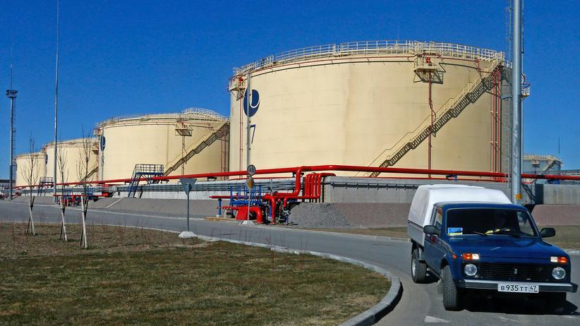 Ukraine-Krise: Öltanks einer russischen Firma