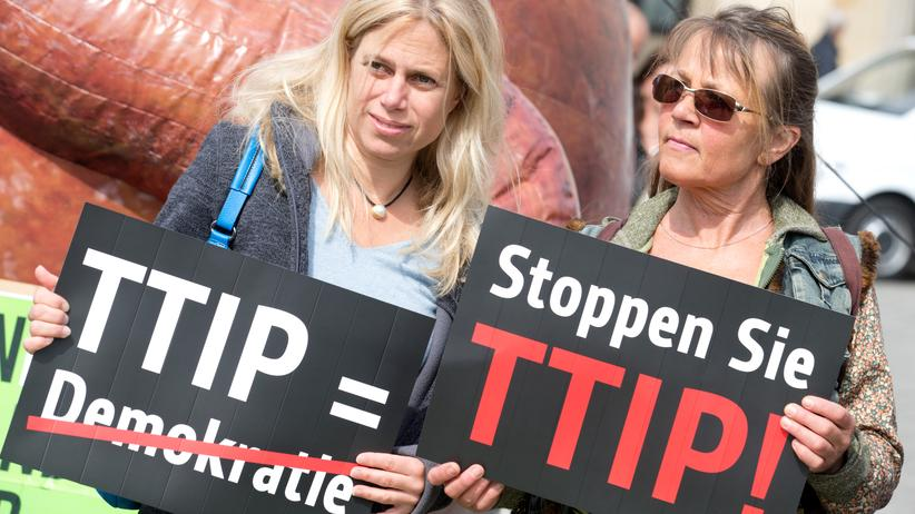 Freihandelsabkommen : TTIP-Demonstrantinnen in Berlin (Archiv)