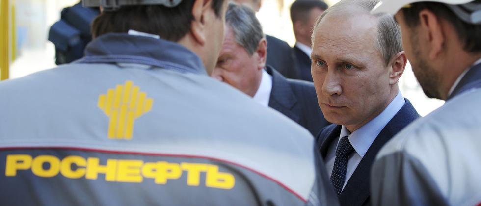 Russlands Präsident Wladimir Putin zu Besuch beim Staatskonzern Rosneft (Archiv)