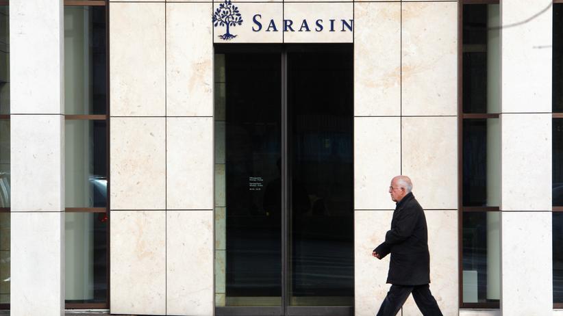 Steuerhinterziehung: Eine Filiale der Schweizer Bank Sarasin in Basel
