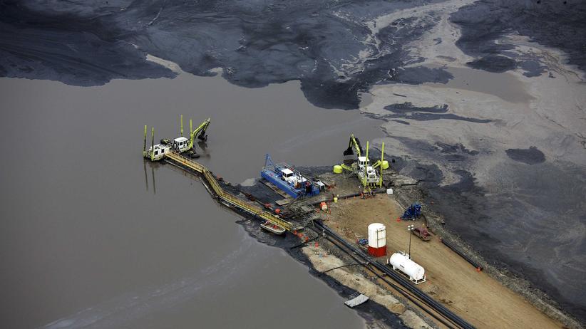 Brüssel: Ein See aus Öl im kanadischen Fort McMurray in der Provinz Alberta
