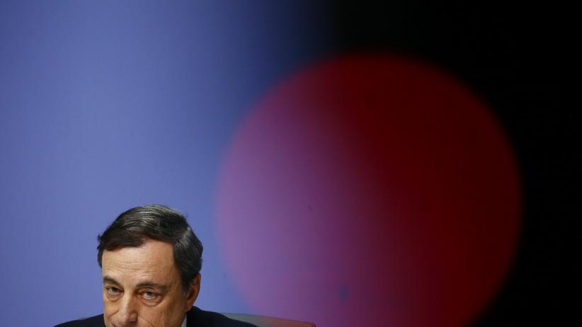 Wirtschaft, Europäische Zentralbank, Europäische Zentralbank, Mario Draghi, Notenbank, Staatsanleihe, Deflation, Euro-Zone, Geld, Inflation, Kreditklemme, Leitzins, Rendite, Wertpapierhandel, Griechenland, Italien, Marseille, Stuttgart