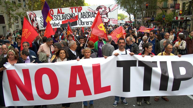 Wirtschaft, TTIP-Debatte, Cecilia Malmström, EU-Kommission, Sigmar Gabriel, TTIP, Freihandelsabkommen, Debatte, Gespräch, Gewerkschaft, Großbritannien, Protest, Reform, Regierung, Wirtschaftsminister, Österreich