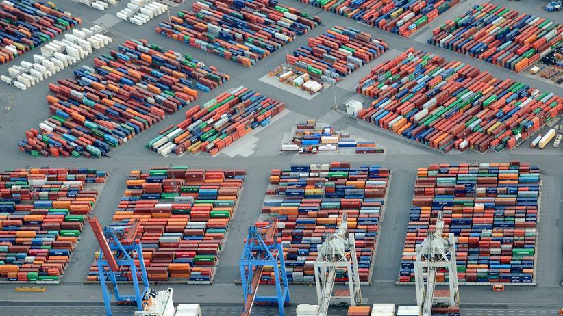 """Russland: Die """"Marco Polo"""" ist das größte Containerschiff der Welt."""