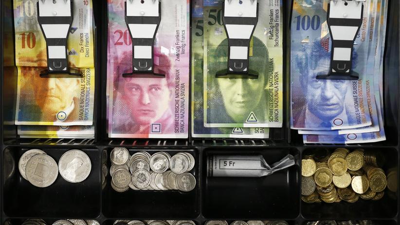 Euro-Bindung: Schweizer Notenbank macht 30 Milliarden Franken Verlust