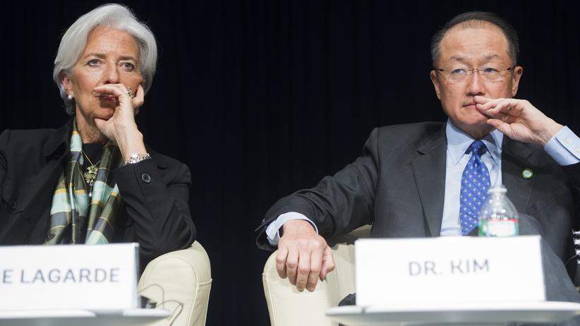 Entwicklungspolitik: Der Präsident der Weltbank, Jim Yong Kim (r) und die Chefin des Internationalen Währungsfonds (IWF) Christine Lagarde