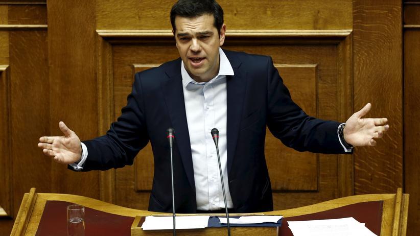 Griechenland-Krise: Der griechische Premierminister Alexis Tsipras spricht vor dem Parlament in Athen am 28. Juni.