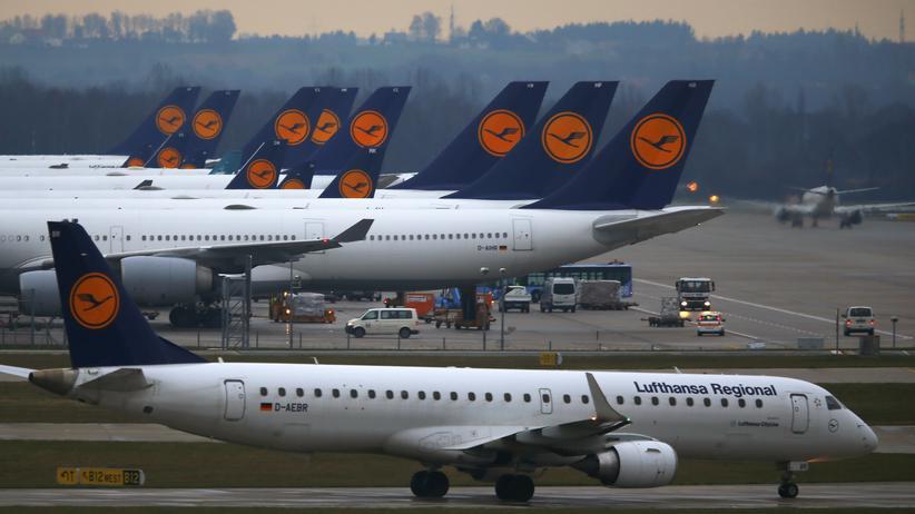 Lufthansa: Lufthansa-Flugzeuge am Flughafen München