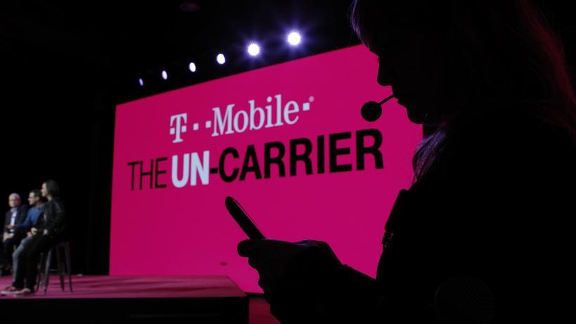 Telekom T Mobile Vor Milliardenfusion Mit Us Bezahlsender Zeit Online
