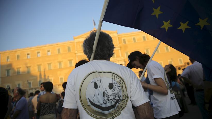 Euro-Befürworter in Athen bei einer Demo vor dem griechischen Parlament