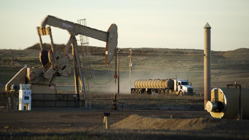 Wirtschaft, Ölpreis, Erdölförderung, Ölpreis, Finanzministerium, Saudi Arabien, China, Venezuela, Dollar, Iran, Nicolas Maduro, Rubel, Russland, USA, Kanada, Asien
