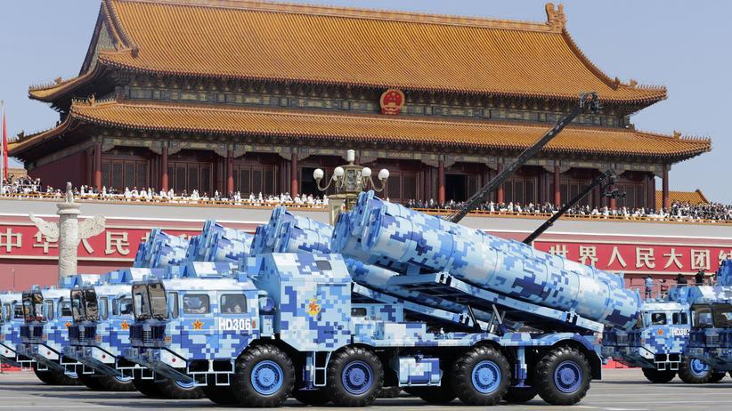 China: Militärparade des Friedens