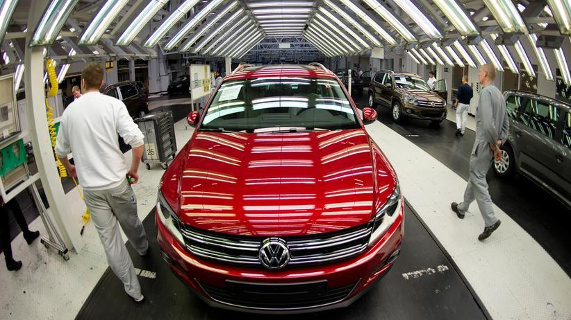 Abgas-Skandal: Volkswagen-Fertigung in Wolfsburg