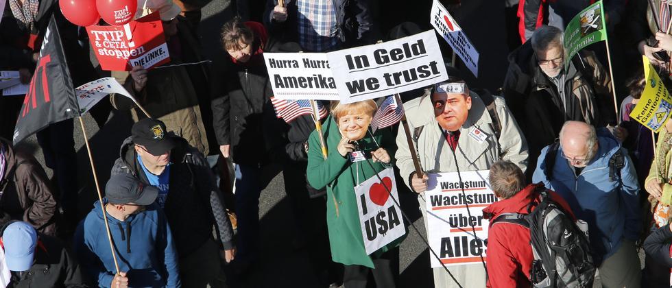 Protestmarsch gegen TTIP in Berlin