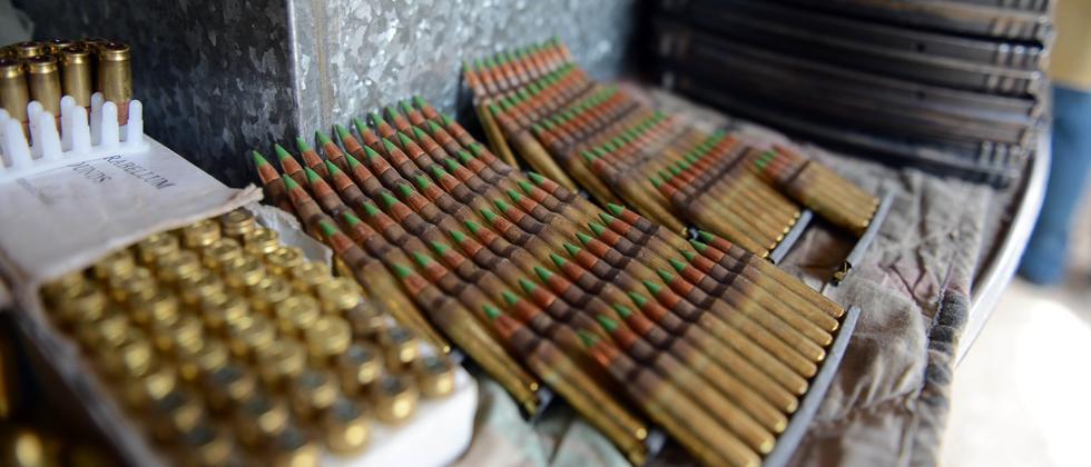 Munition auf einem Waffenmarkt