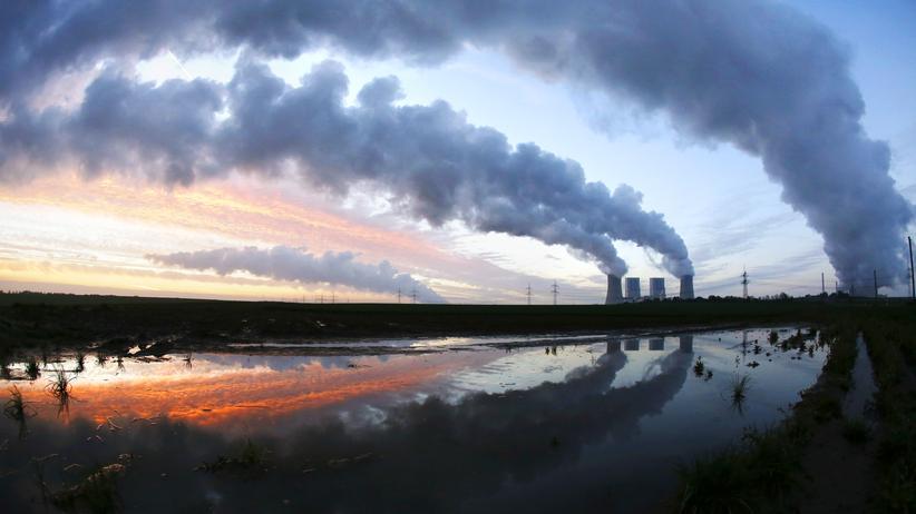 Klimaschutz: Das RWE-Kohlekraftwerk in Neurath (Archiv)