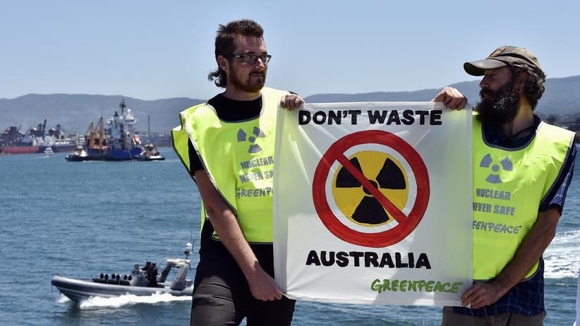 Greenpeace-Protest im australischen Port Kembla gegen einen Atommüll-Transport