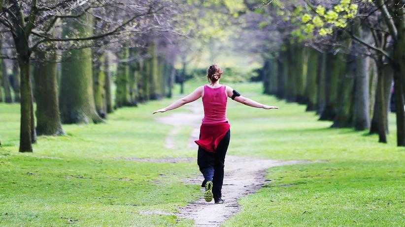 Fitnessarmbänder: An der Leine der Versicherer