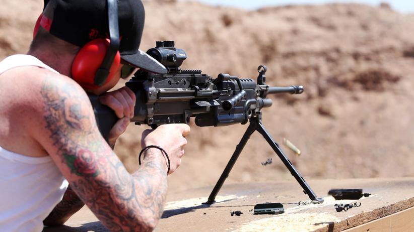 Waffen: Der Schießstand von Bullets und Burgers
