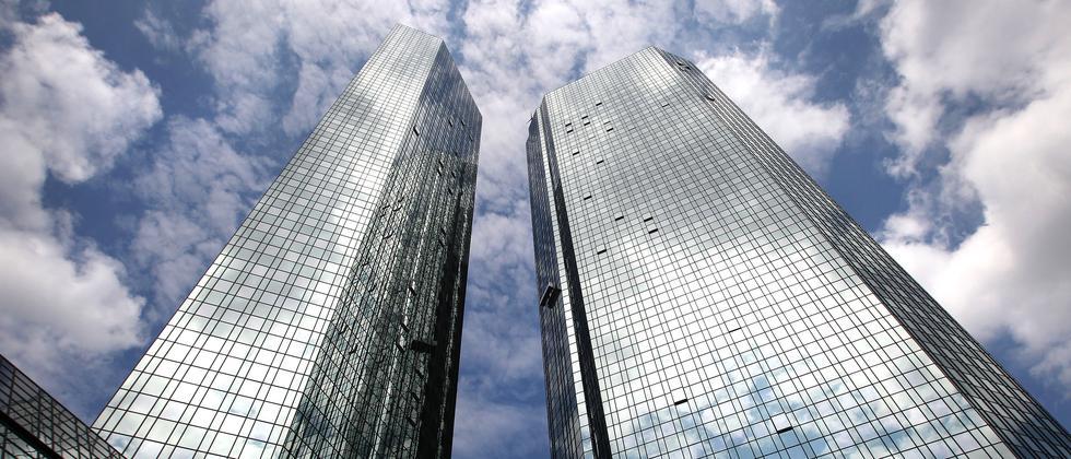 Die beiden Türme der Deutsche-Bank-Zentrale in Frankfurt.