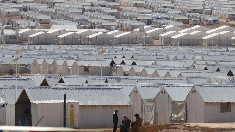 Flüchtlingskrise: Fertighäuser aus Metall im Flüchtlingscamp Azraq in Nordjordanien