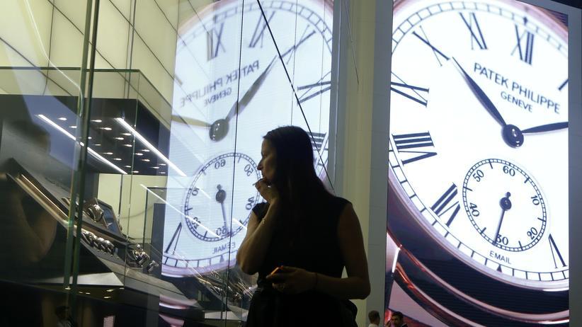 Schweiz: Stand eines Schweizer Uhrenherstellers auf einer Messe in Basel
