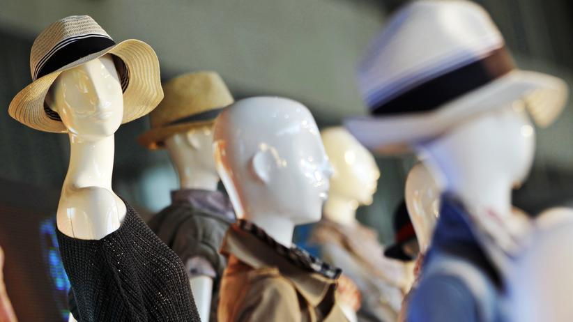 Konsum: Schaufensterpuppen auf einer Modemesse in Berlin