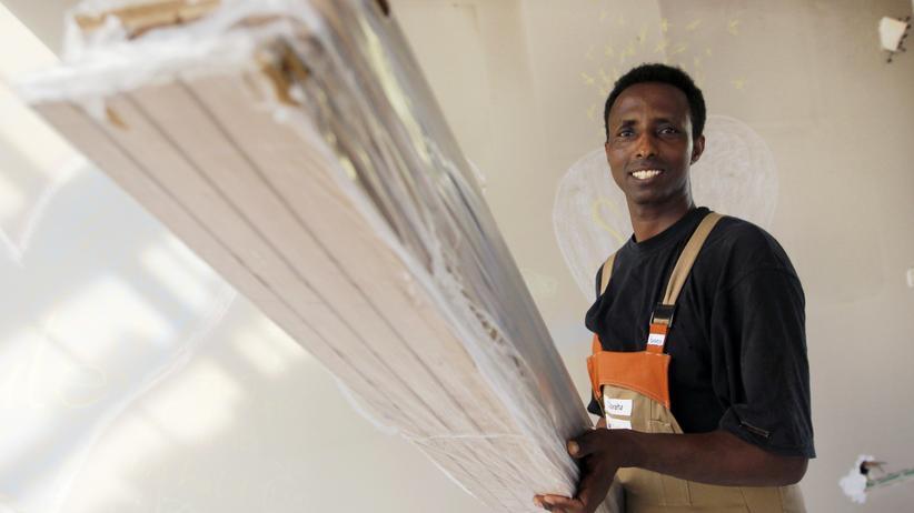 Arbeitsmarkt: 350.000 Flüchtlinge könnten in diesem Jahr auf den deutschen Arbeitsmarkt drängen