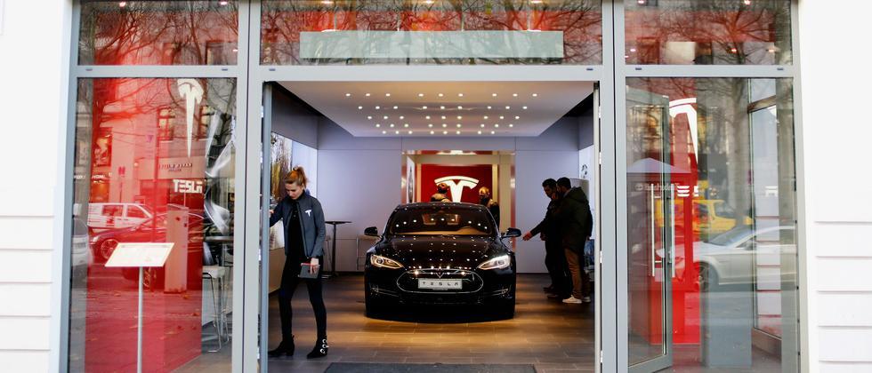 Tesla Autobauer
