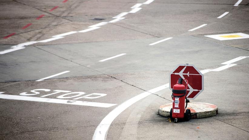 Ver.di: Warnstreiks legen Flughäfen lahm