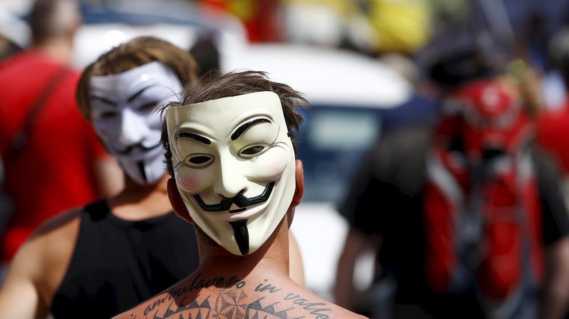 Bilderberg in Dresden: Demonstranten während der Bilderberg-Konferenz 2015 in Österreich