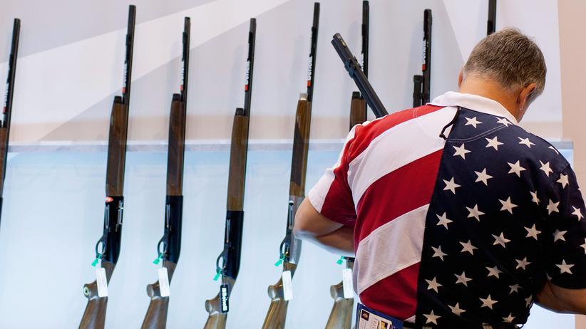 USA und Waffen: Auf einer Waffenmesse in den USA