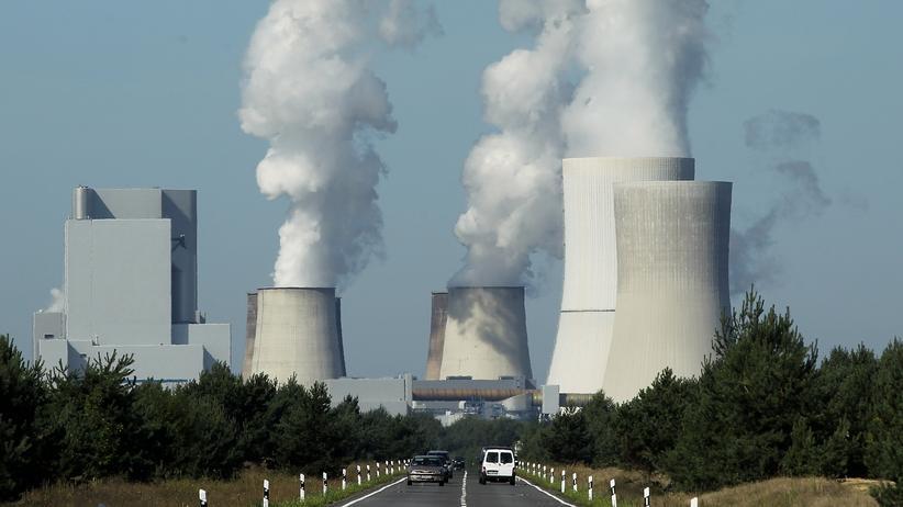 Klimawandel: Die Kühltürme des Kohlekraftwerks in Boxberg (Archivbild)