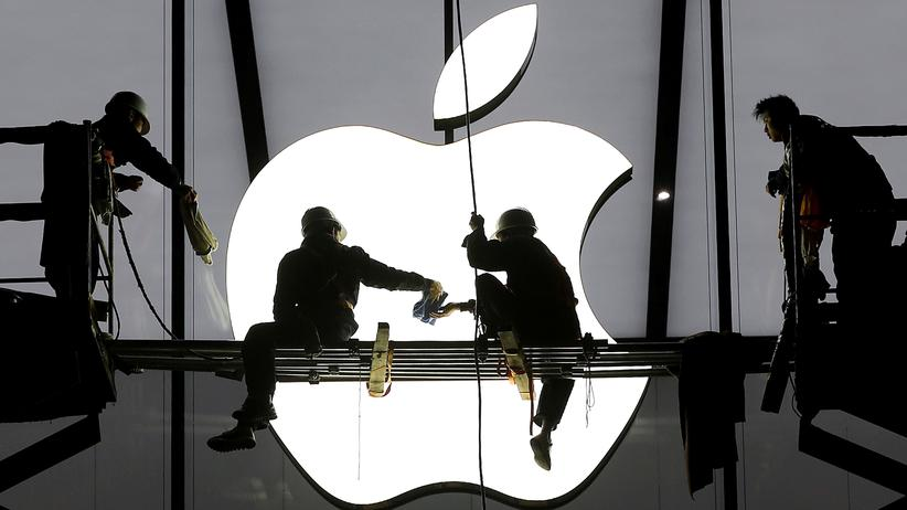 EU: Arbeiter legen letzte Hand an, bevor dieser Apple-Store im chinesischen Hangzhou eröffnet wurde